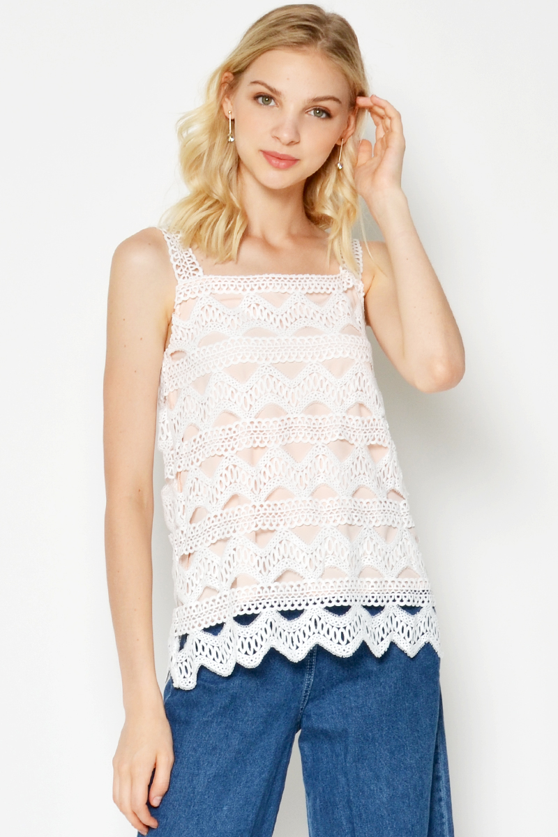 ELLY CROCHET TOP