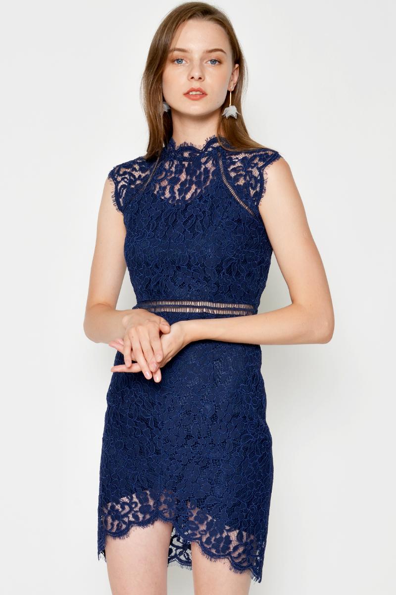 PERLIA HIGHNECK LACE DRESS