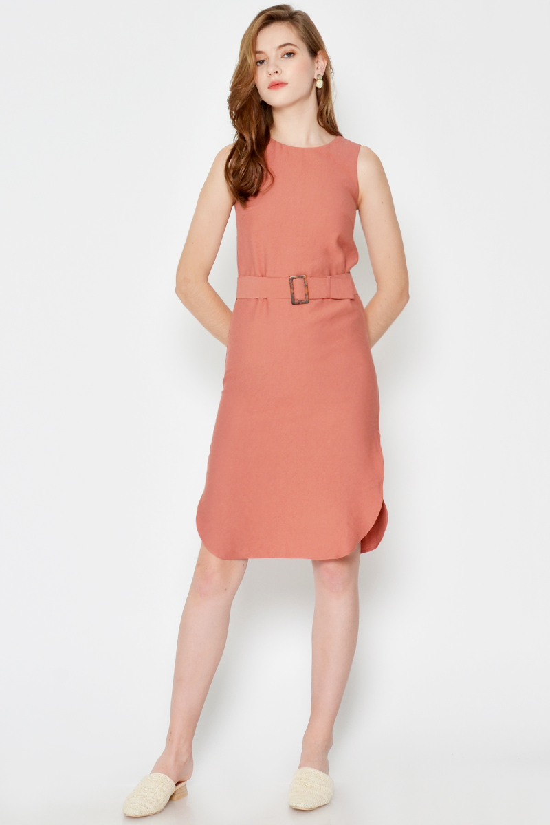 MIA CURVED HEM DRESS W BUCKLE SASH