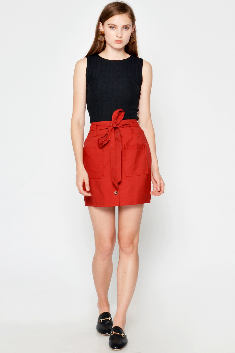 RUBY BUTTONDOWN SKIRT W SASH