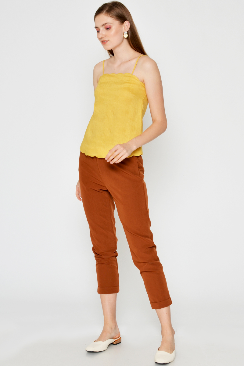GRETTA LINEN SCALLOP TOP