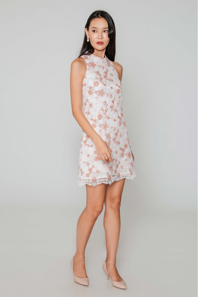 NICHELLE FLORAL CROCHET SHIFT DRESS W DETACHABLE COLLAR