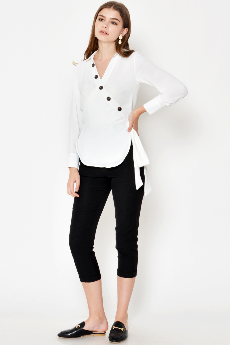 CLYDE BUTTON WRAP TOP