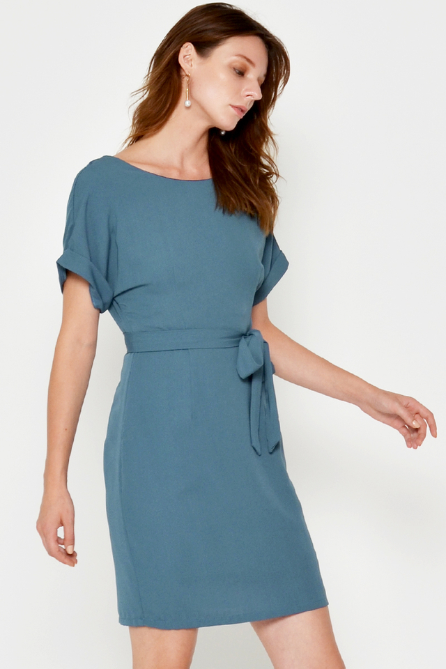AMARU SHEATH DRESS W SASH