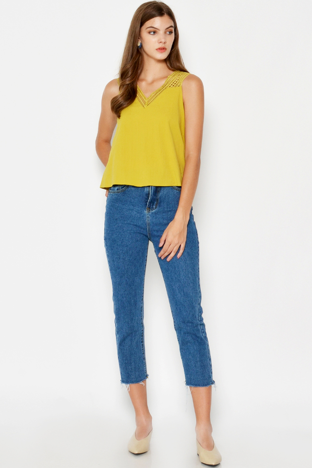 JESS CUTOUT TOP