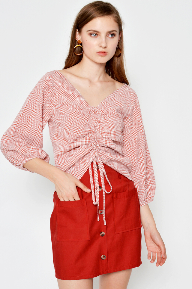 HESTER CHECKERED RUCHED TOP