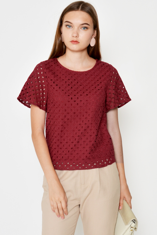 ROCCO EYELET TOP