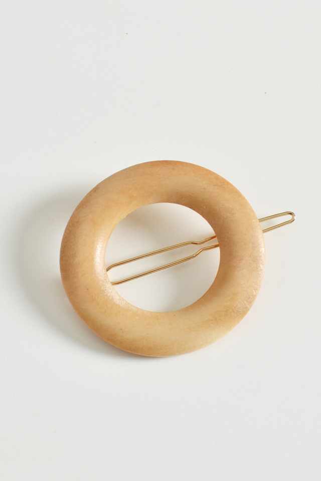 WOODEN RING HAIR CLIP