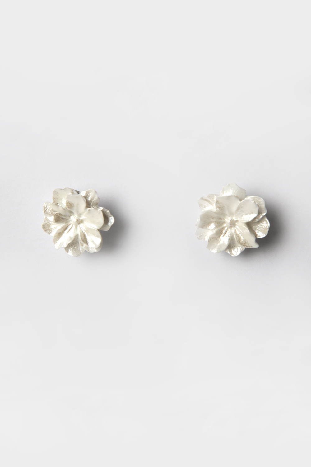 WHITE DAHLIA FLORAL EARRINGS