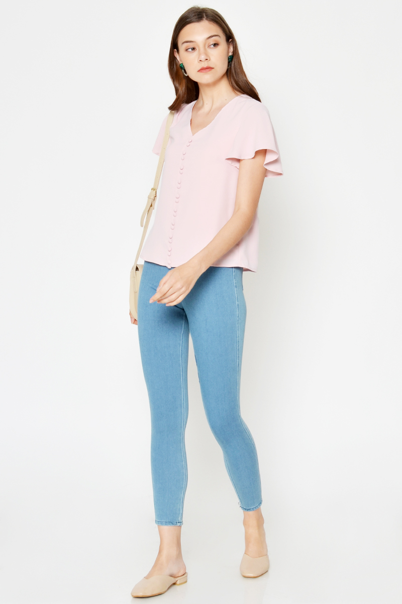 *BACKORDER 2* CARISSA BUTTONDOWN FLUTTER SLEEVE TOP