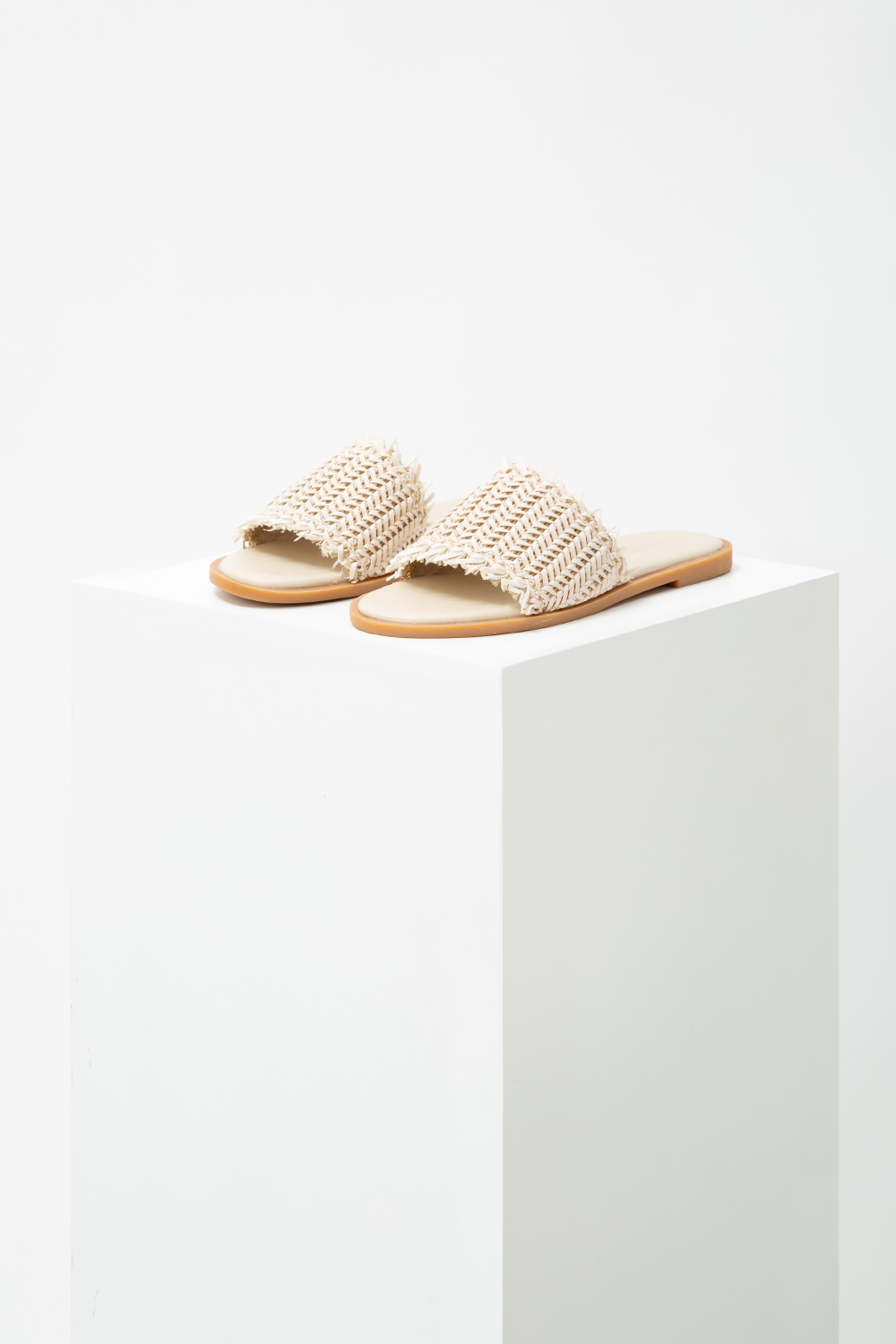 LINDI WEAVED SLIDES