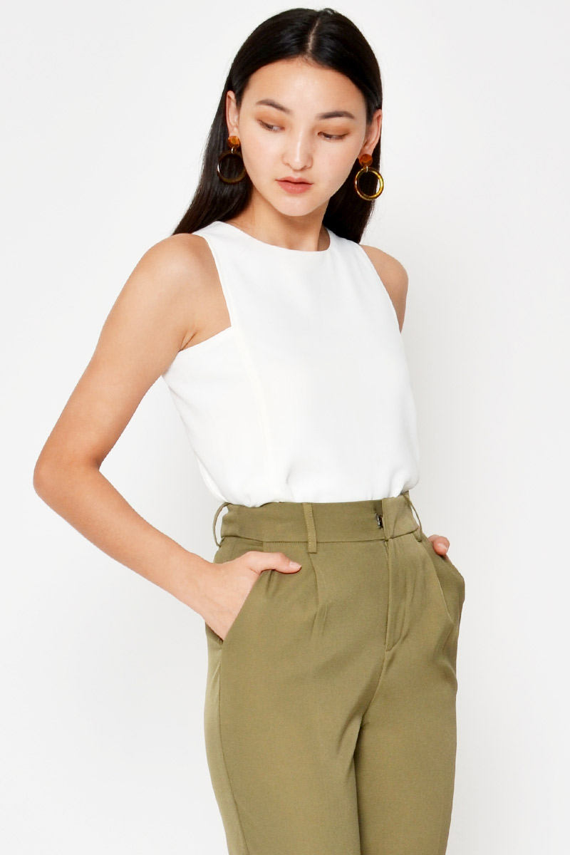 *BACKORDER* CADEY SIDE CUTOUT TOP