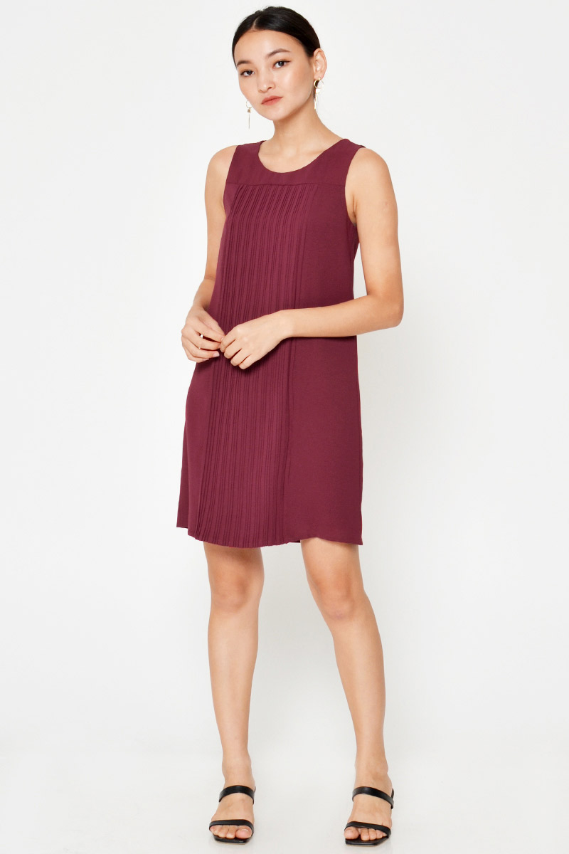 KAITLYN PLEATED SHIFT DRESS