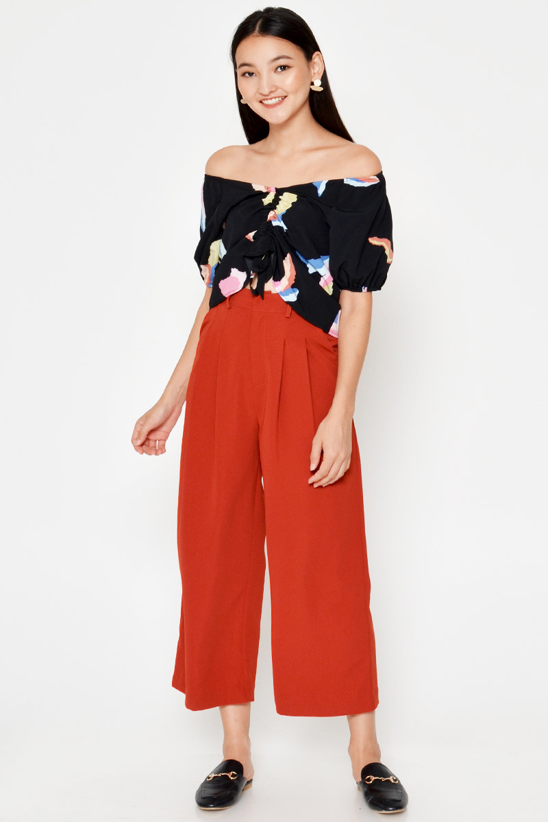 KARA ABSTRACT RUCHED PUFF SLEEVE TOP