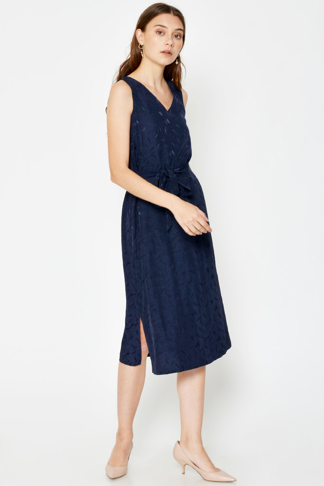 CLAUDIA LEAF TEXTURED MIDI DRESS W SASH