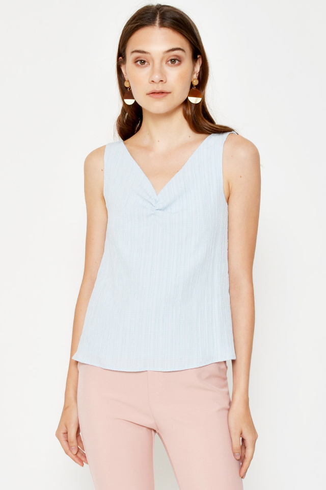 SHAUNA RUCHED TEXTURED TOP