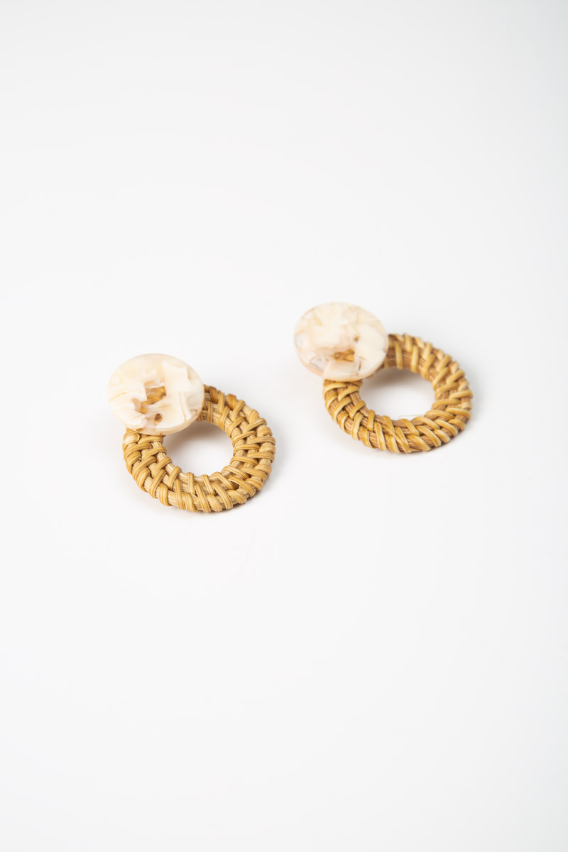 ROUND MARBLE RATTAN EARRINGS