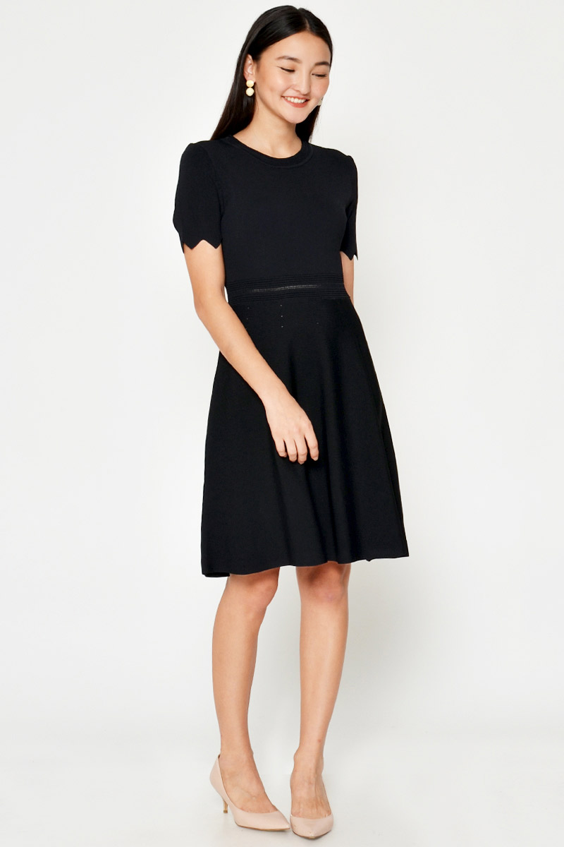 REAH SCALLOP KNIT FLARE DRESS
