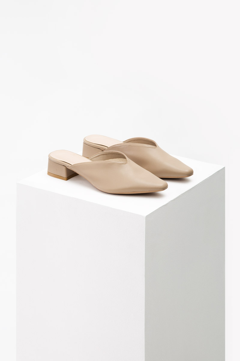NANDA POINTED BLOCK HEELS