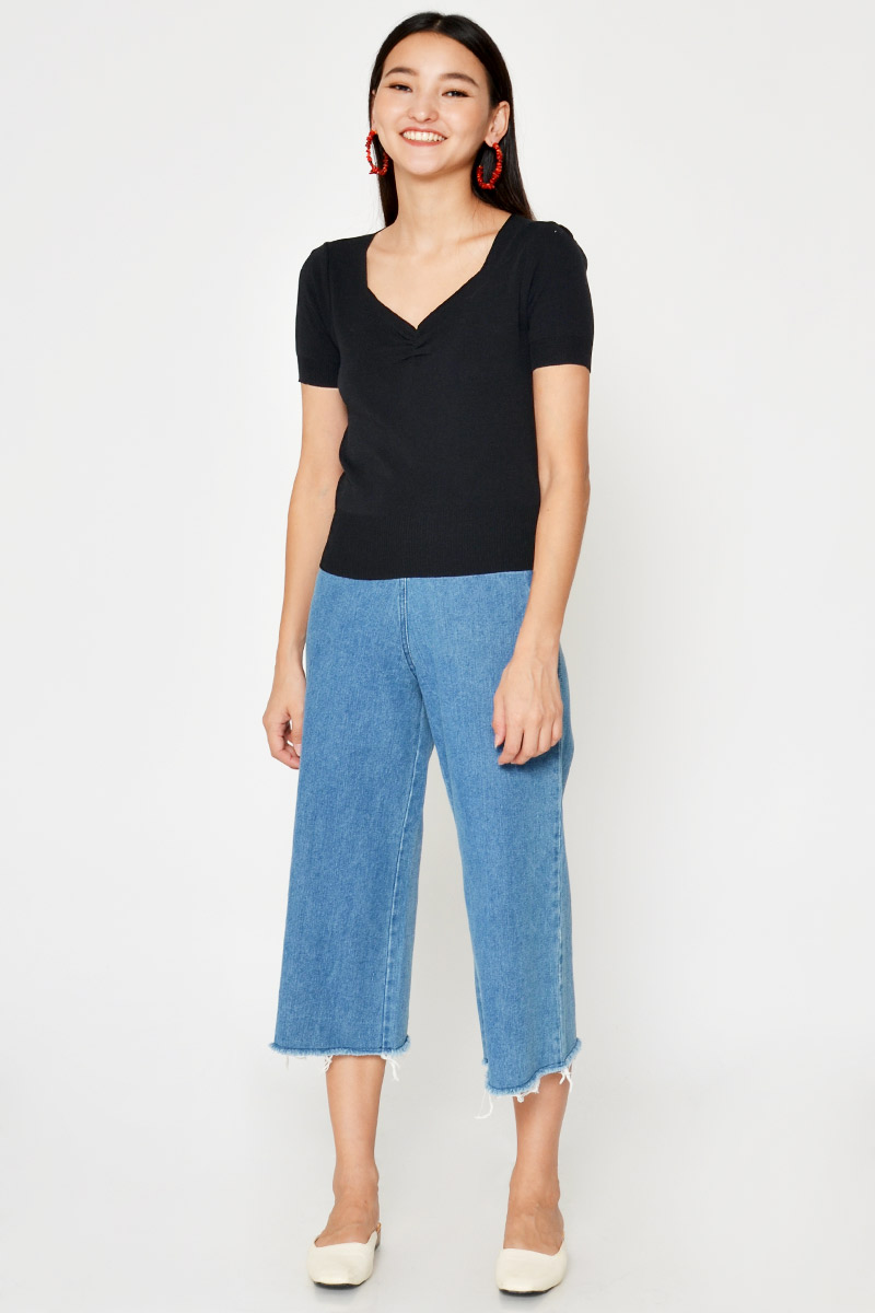 KATIE RUCHED KNIT TOP
