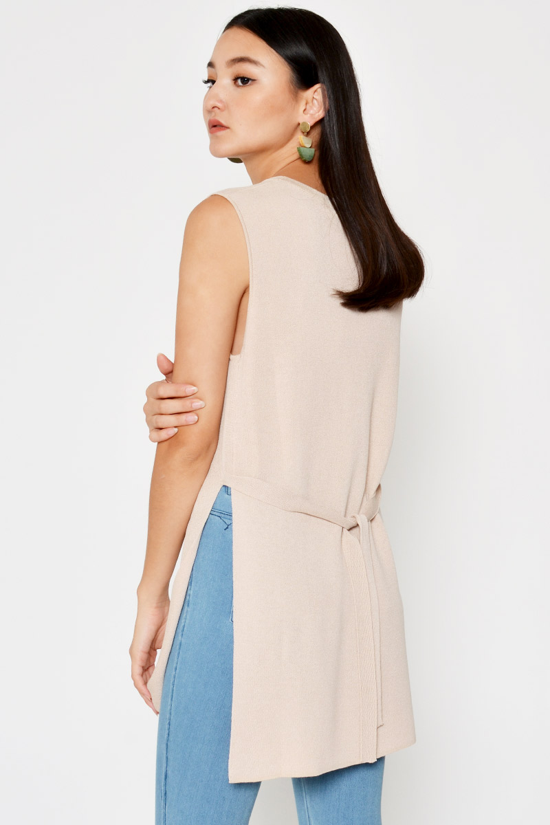 LANDRA SIDE SLITS TIEBACK TOP