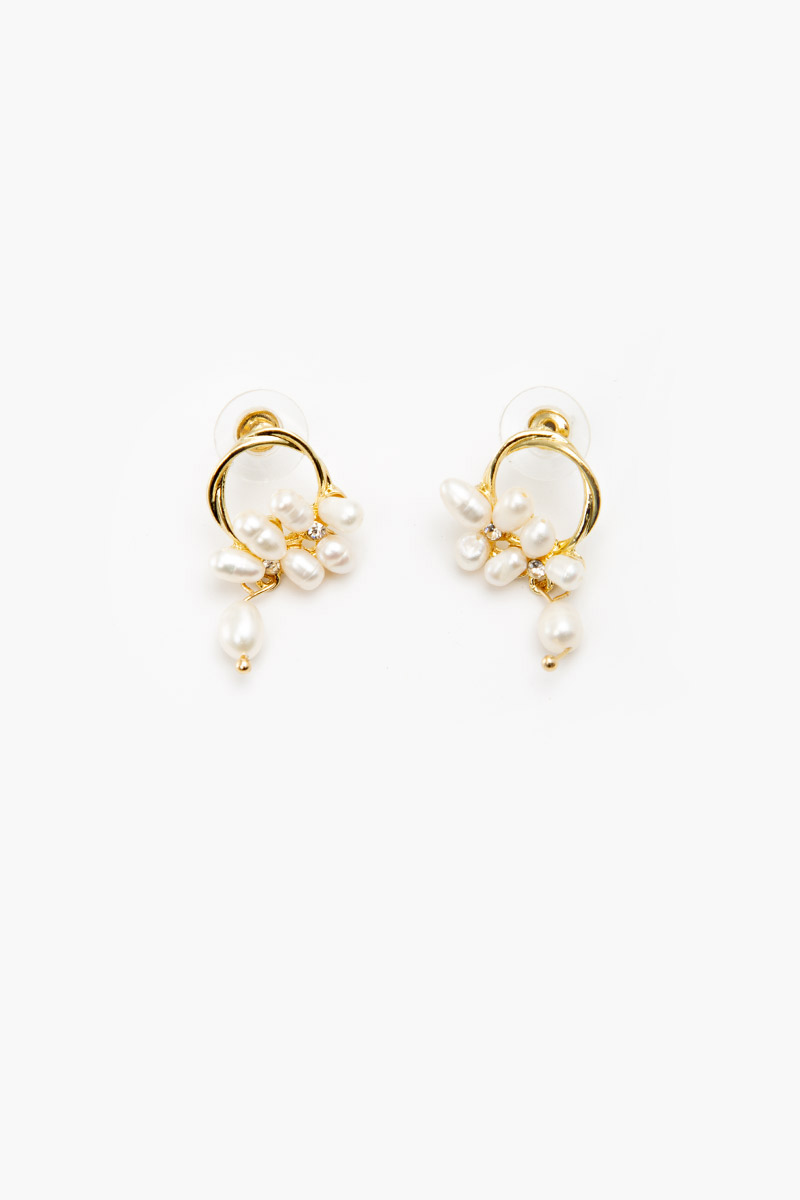 TWISTED RING PEARL CLUSTER EARRINGS