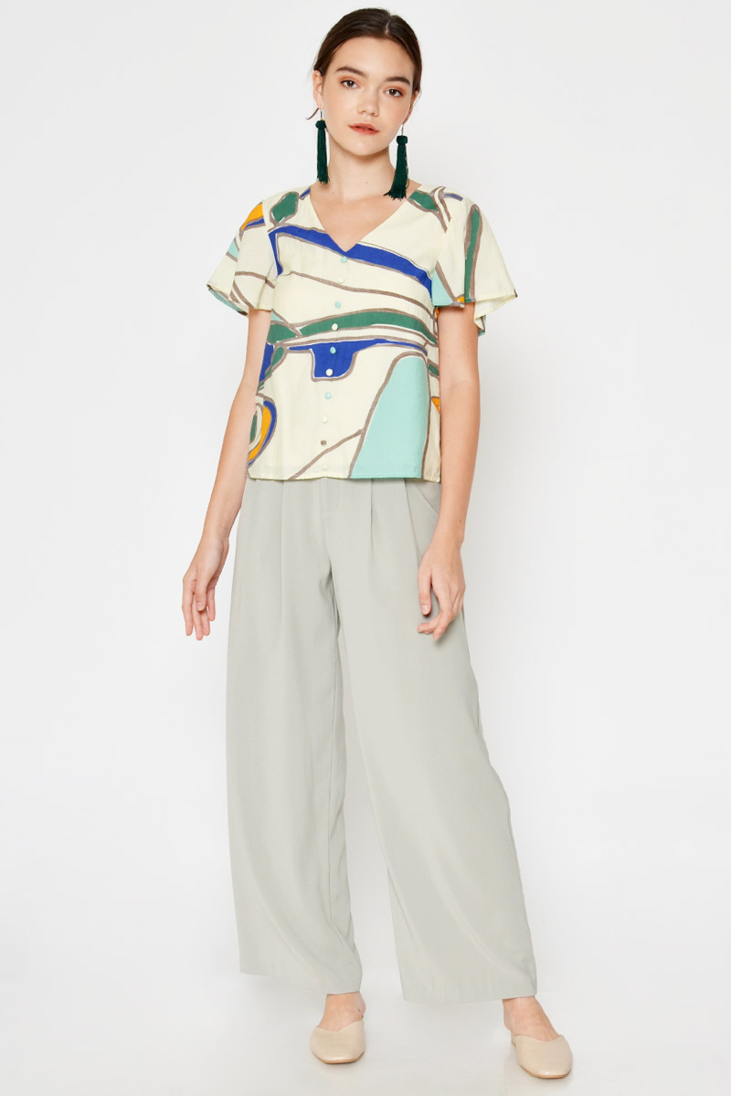 KARLITHA ABSTRACT FLUTTER SLEEVE TOP