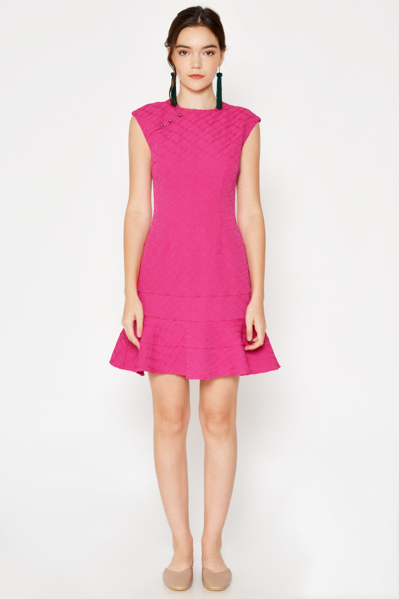 MARCEY TEXTURED SHEATH DRESS