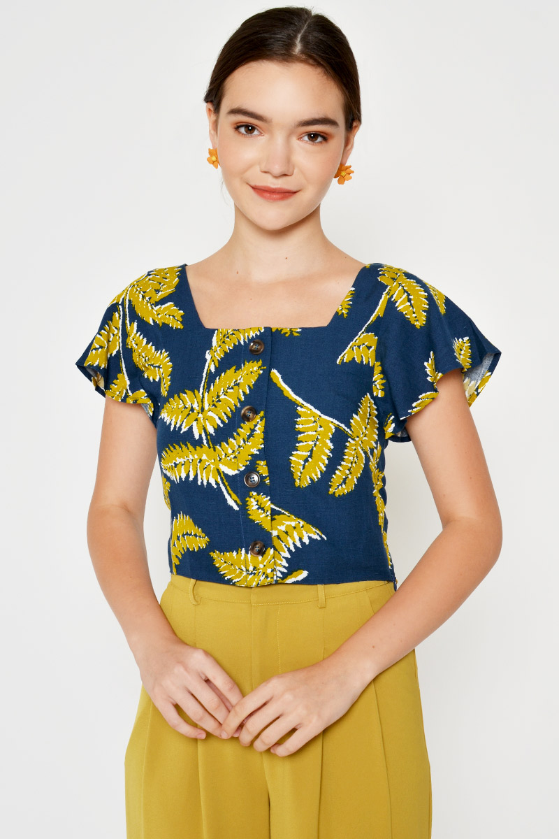 ZARIA LEAF PRINT FLUTTER SLEEVE TOP