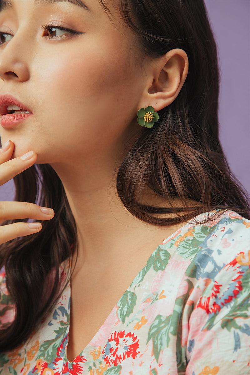 HIBISCUS BLOOM EARRINGS