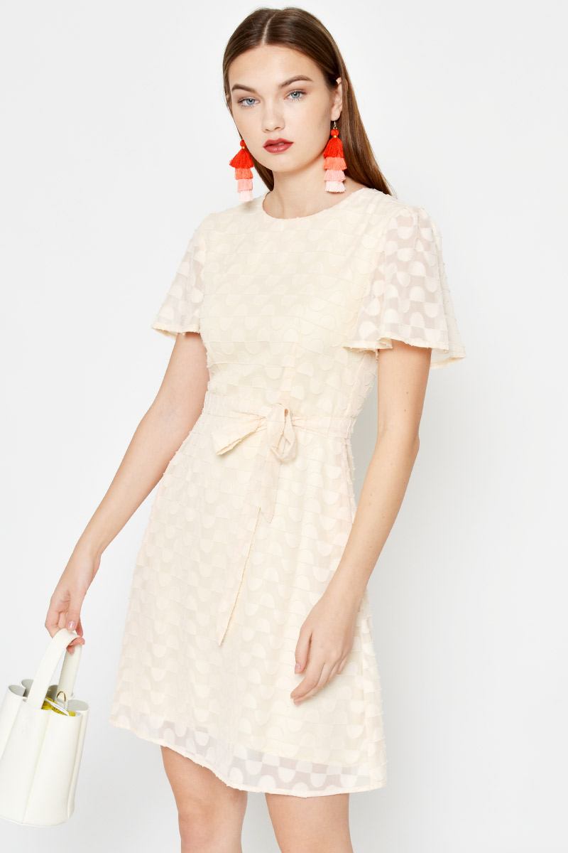 DARYL TEXTURED CHIFFON FLUTTER SLEEVE DRESS W SASH