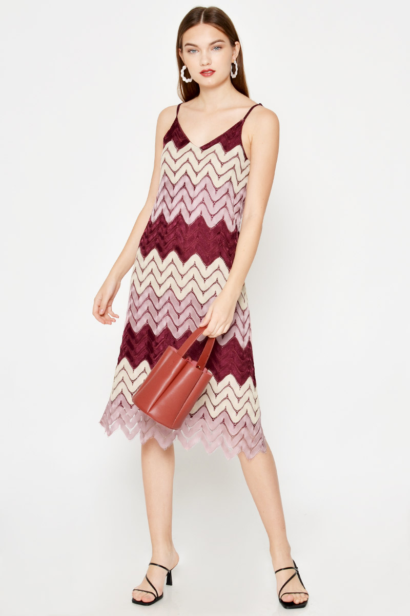 DORRA SCALLOP KNIT CROCHET DRESS W SASH