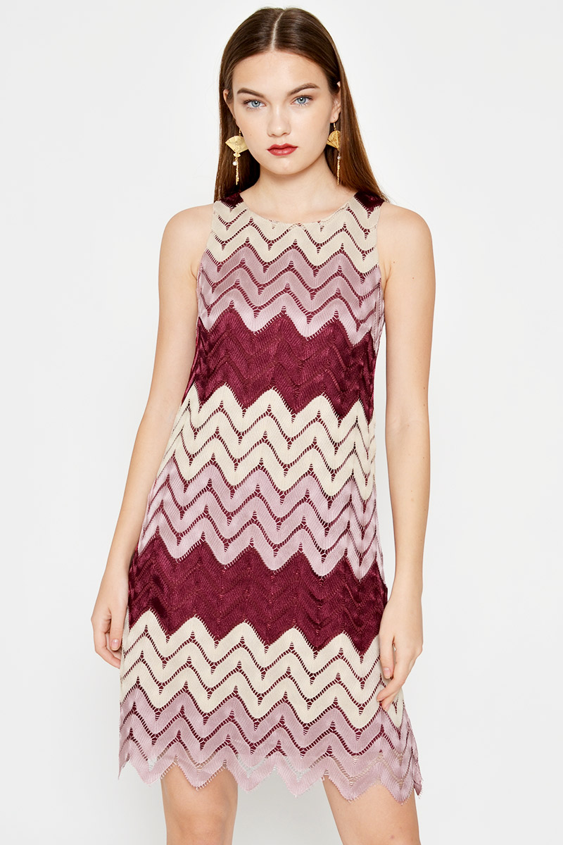 RITA SCALLOP CROCHET SHIFT DRESS