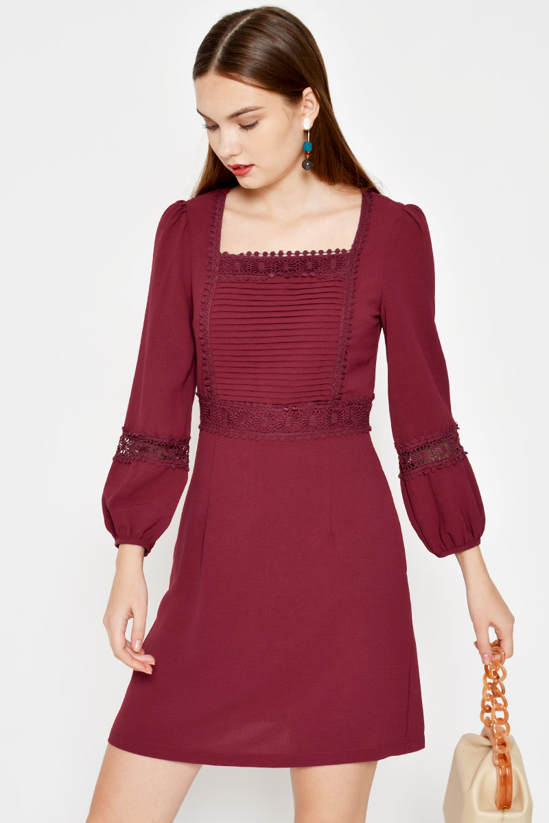 SEINA CROCHET CUTOUT DRESS