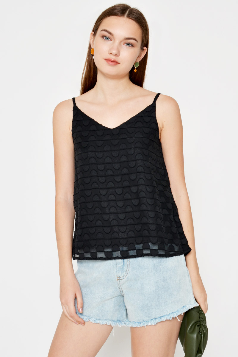 NICKIE TEXTURED CAMI TOP