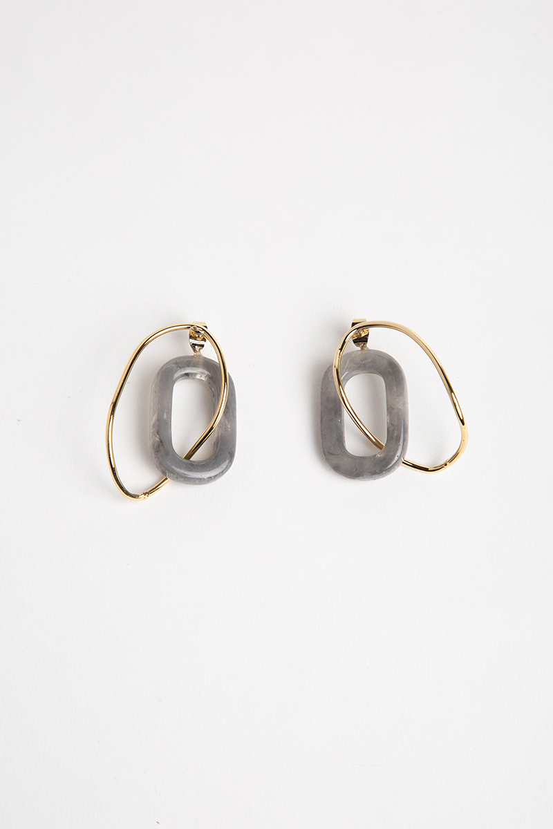 RESIN INTERTWINED LOOP EARRINGS