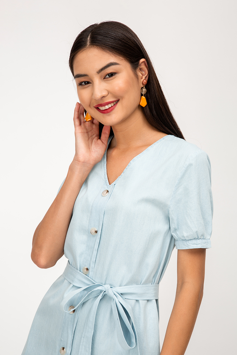ADRIEL DENIM BUTTONDOWN DRESS W SASH