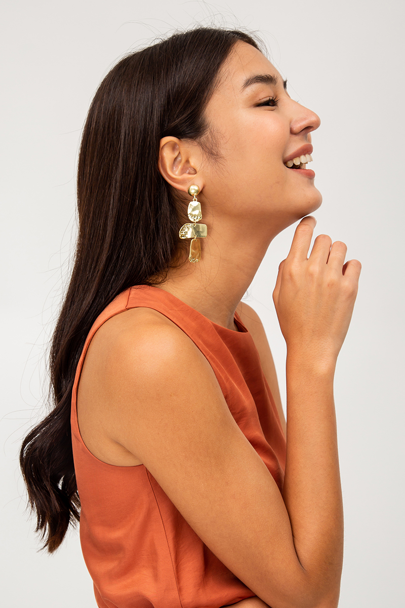 IRREGULAR GOLD DROP EARRINGS