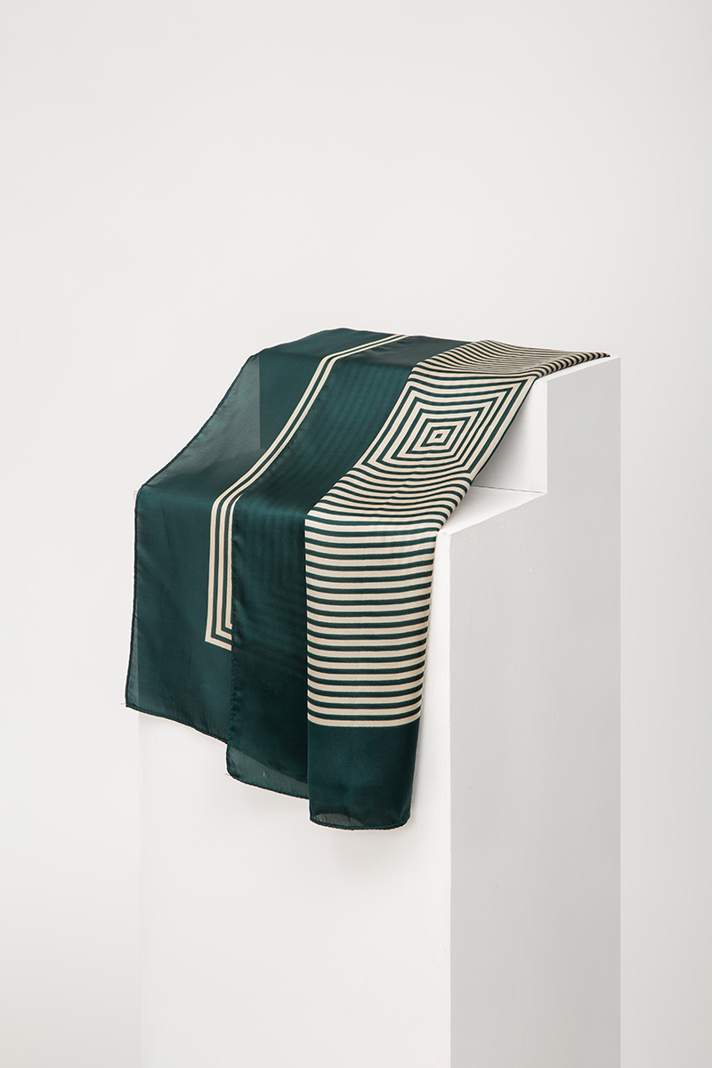 *BACKORDER* CONCENTRIC SQUARES PRINTED SCARF