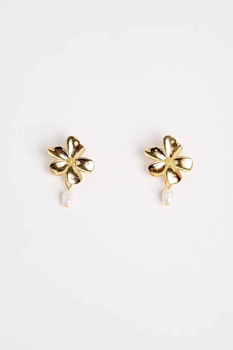 GOLD FLOWER PEARL DANGLE EARRINGS