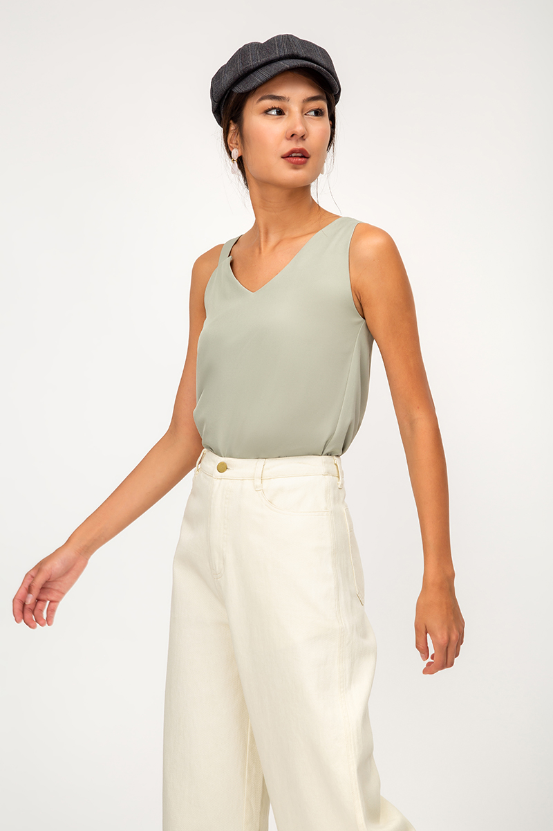 RAYLYN ASYMMETRICAL VNECK TOP