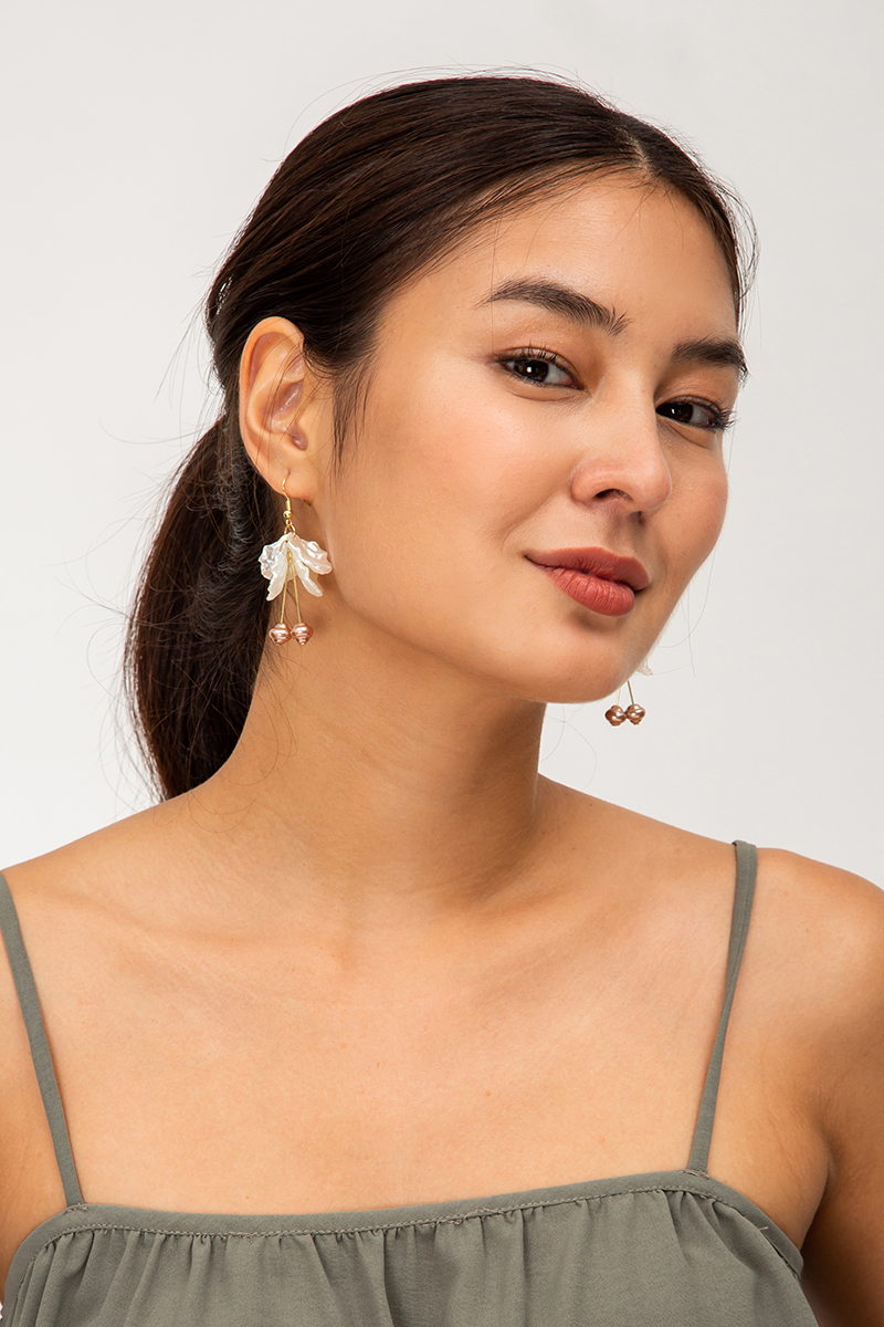 CRINKLE PETALS DROP HOOK EARRINGS