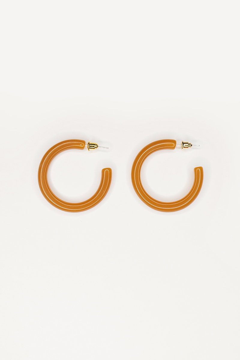 BASIC RESIN HOOP EARRINGS