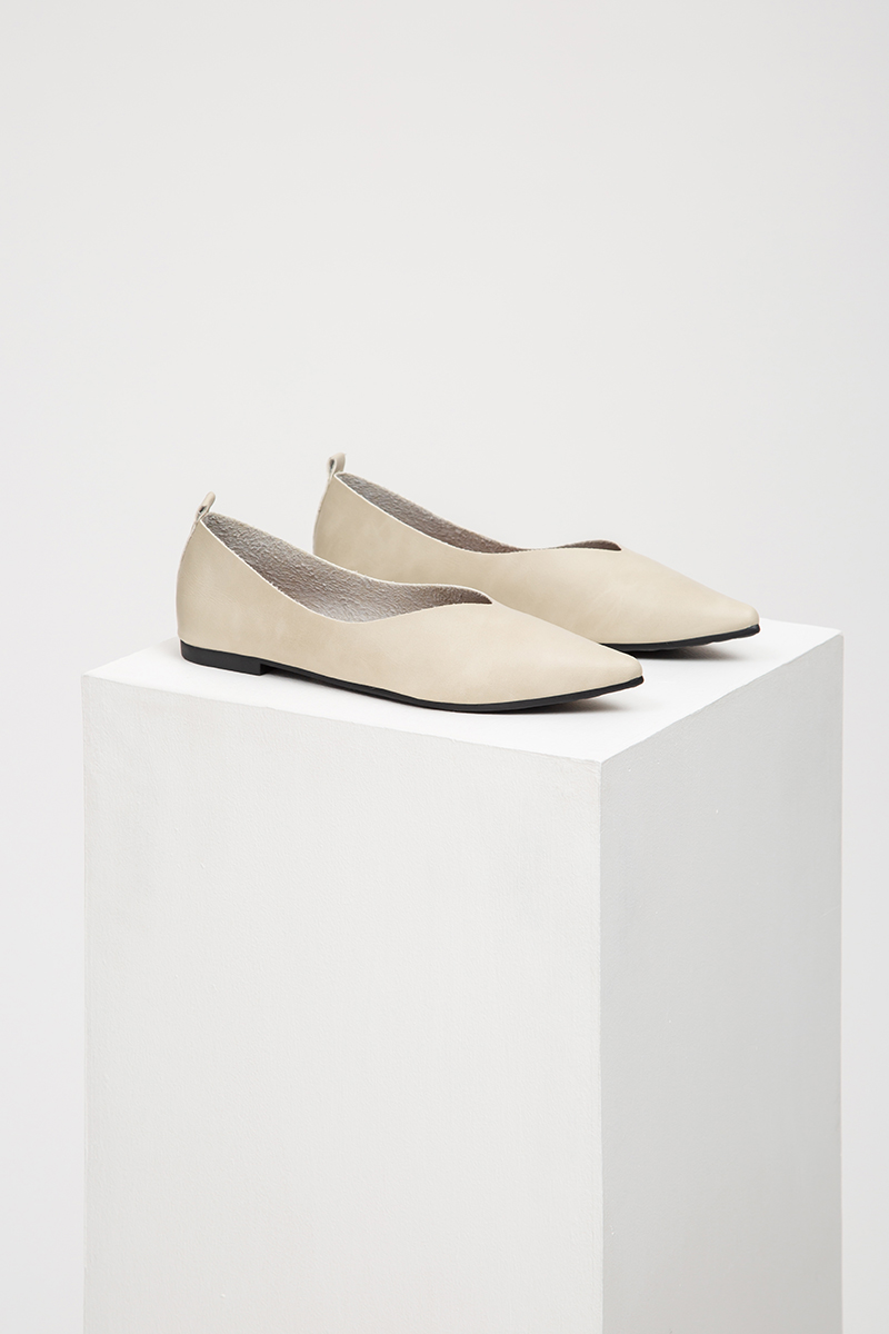 NILEA BASIC POINTED FLATS