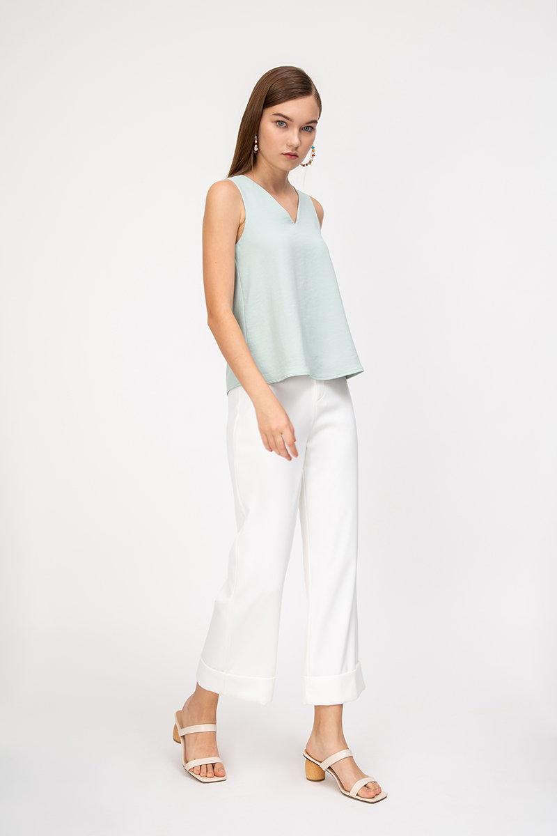 ZOVIA BASIC V NECK TOP