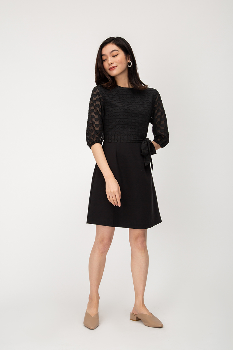 VINO TEXTURED MESH FLARE DRESS W SASH