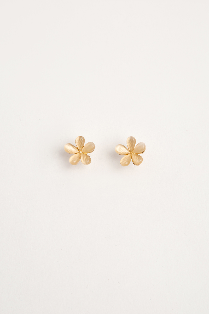 CREAM PETALS FLOWER EARRINGS