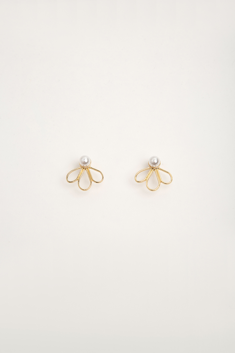 TRIO PETAL PEARL EARRINGS