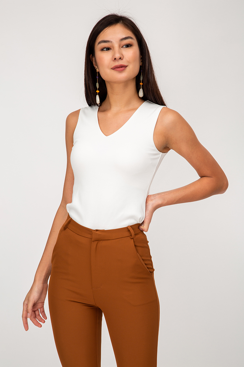 ELBEY BASIC VNECK TOP