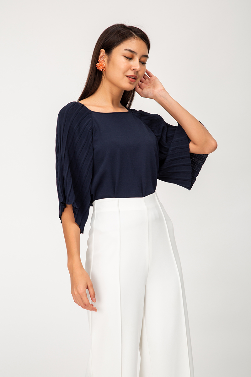 SVANA PLEATED BATWING SLEEVES KNIT TOP